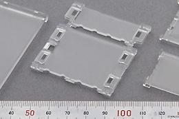 製品:導光板(家電用) 素材:PC、アクリル、ゼオノア